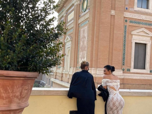 Kim Kardashian e Kate Moss alla scoperta del Vaticano